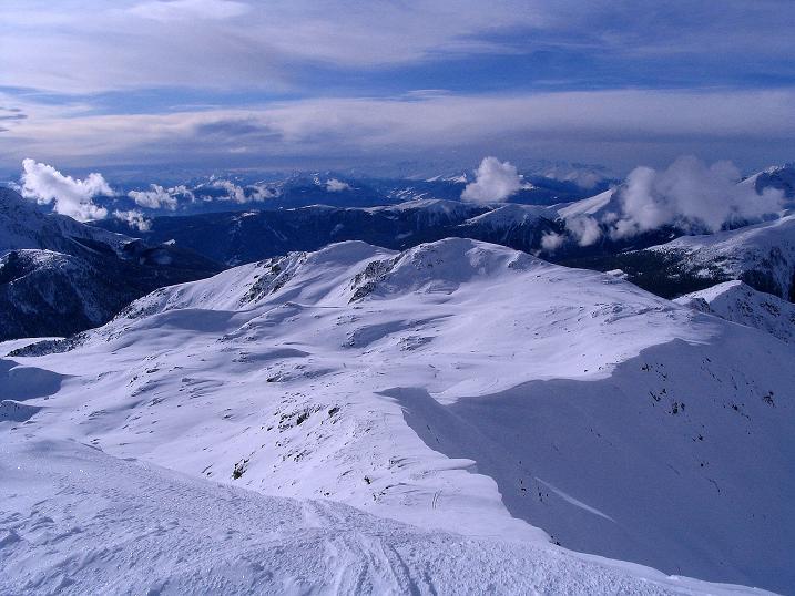 Foto: Andreas Koller / Ski Tour / Von Reinswald auf die Getrumspitze (2589m) / Die Aufstiegsroute über den breiten Kamm / 15.12.2008 02:48:48