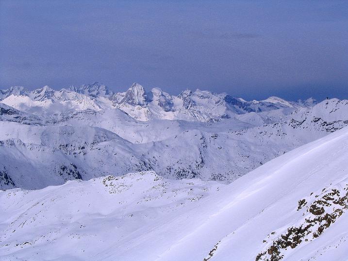Foto: Andreas Koller / Ski Tour / Von Reinswald auf die Getrumspitze (2589m) / Blick nach N in die Sarntaler und südlichen Stubaier Alpen / 15.12.2008 02:48:14