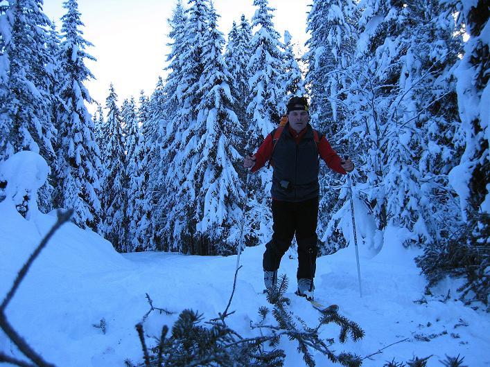 Foto: Andreas Koller / Ski Tour / Vom Durnholzer See auf das Schrotthorn (2590m)  / Zu Beginn des Großalmtals / 16.12.2008 01:30:33