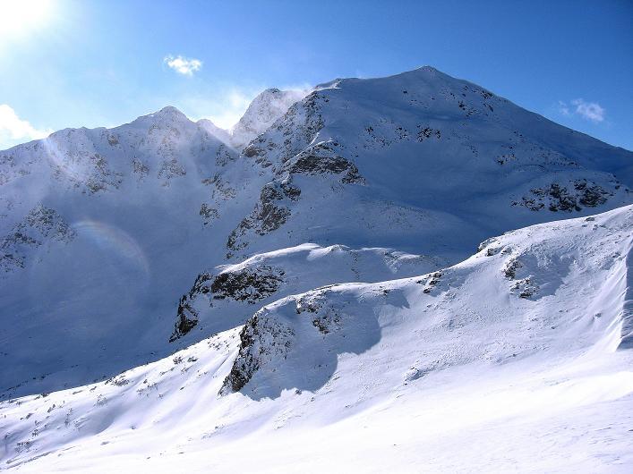 Foto: Andreas Koller / Ski Tour / Vom Durnholzer See auf das Schrotthorn (2590m)  / Imposant präsentiert sich die Kassianspitze (2581 m) aus der Fortschellscharte / 16.12.2008 01:23:02