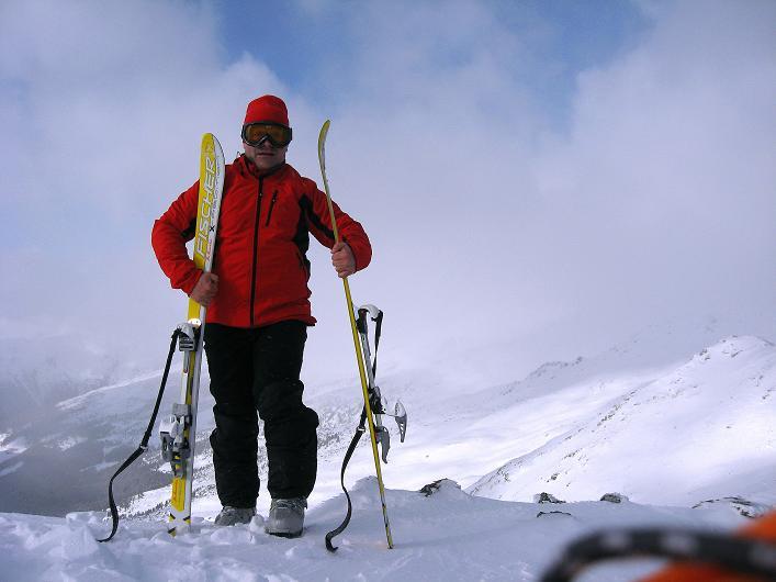 Foto: Andreas Koller / Ski Tour / Vom Durnholzer See auf das Schrotthorn (2590m)  / Vorbereitungen zur Abfahrt vom Plankenhorn / 16.12.2008 01:16:33