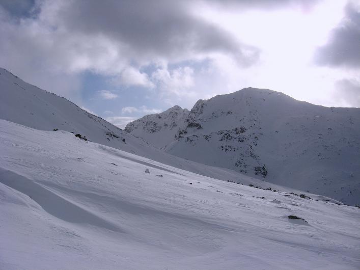 Foto: Andreas Koller / Ski Tour / Vom Durnholzer See auf das Schrotthorn (2590m)  / Rückblick zum Ritzlar (2528 m) und zur dominierenden Kassianspitze (2581 m)  / 16.12.2008 01:15:59
