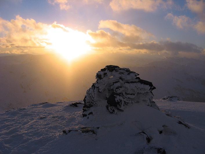 Foto: Andreas Koller / Ski Tour / Vom Durnholzer See auf das Schrotthorn (2590m)  / Sonnenuntergang am Schrotthorn / 16.12.2008 01:09:43