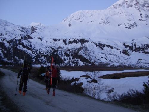 Foto: hofchri / Ski Tour / Rauriser Sonnblick (3106m) und Hocharn (3254m) von Kolm Saigurn / 16.12.2008 21:38:18