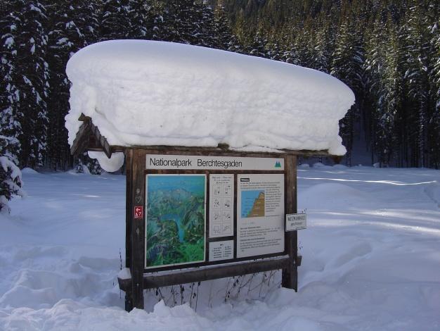 Foto: Manfred Karl / Ski Tour / Von der Wimbachbrücke auf das Dritte Watzmannkind / Infotafel bei der Schapbach Alm / 18.12.2008 08:55:41