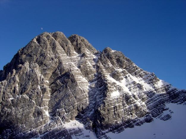 Foto: Manfred Karl / Ski Tour / Von der Wimbachbrücke auf das Dritte Watzmannkind / Kleiner Watzmann Westwand, durch die schöne Kletterrouten führen / 18.12.2008 08:49:49