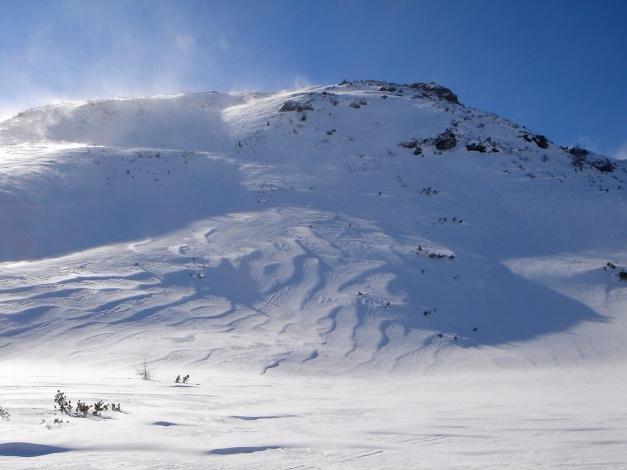 Foto: Manfred Karl / Ski Tour / Zwei leichte Gipfel über dem Kessel der Planneralm / In der flachen Mulde beim Kothüttensee / 18.12.2008 09:29:26