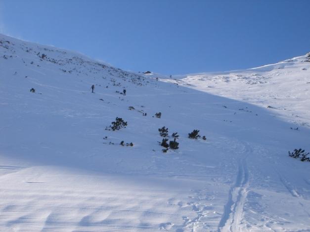 Foto: Manfred Karl / Ski Tour / Zwei leichte Gipfel über dem Kessel der Planneralm / Der einzige etwas steilere Hang beim Aufstieg zur Karlspitze / 18.12.2008 09:28:29