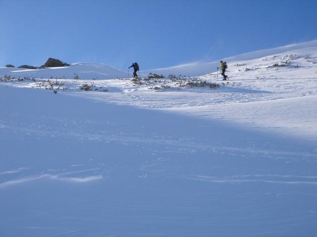 Foto: Manfred Karl / Ski Tour / Zwei leichte Gipfel über dem Kessel der Planneralm / Am Grat bläst der Wind / 18.12.2008 09:27:50