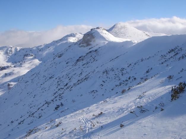 Foto: Manfred Karl / Ski Tour / Zwei leichte Gipfel über dem Kessel der Planneralm / Rechts hinten die Jochspitze / 18.12.2008 09:27:26