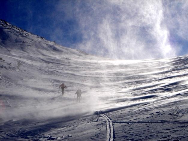 Foto: Manfred Karl / Ski Tour / Zwei leichte Gipfel über dem Kessel der Planneralm / Windige Angelegenheit / 18.12.2008 09:22:34