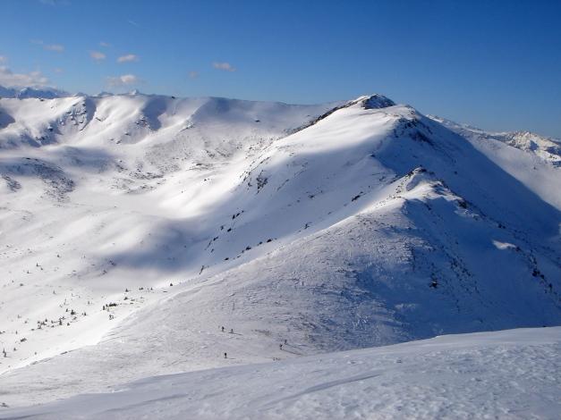 Foto: Manfred Karl / Ski Tour / Zwei leichte Gipfel über dem Kessel der Planneralm / Rückblick über die Goldbachscharte zur Karlspitze / 18.12.2008 09:21:49