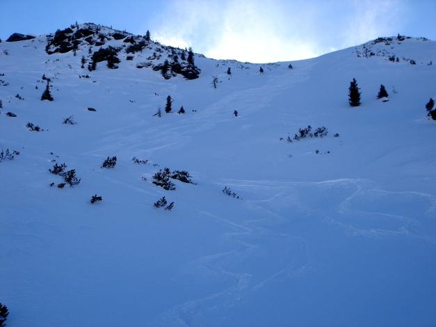 Foto: Manfred Karl / Ski Tour / Zwei leichte Gipfel über dem Kessel der Planneralm / Abfahrt von der Jochspitze / 18.12.2008 09:19:42