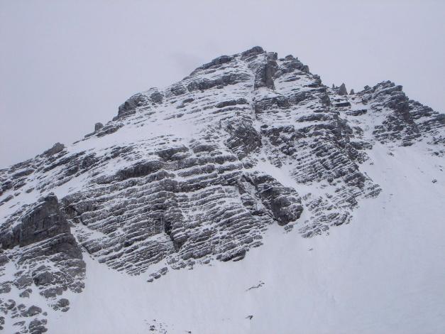 Foto: Manfred Karl / Ski Tour / Skihörndl - Frühjahrsklassiker in den Loferer Steinbergen / Unterhalb des linken Grates verläuft der Sommer-/Winterweg auf das Ochsenhorn / 18.12.2008 10:14:16