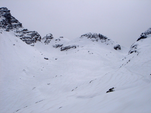 Foto: Manfred Karl / Ski Tour / Skihörndl - Frühjahrsklassiker in den Loferer Steinbergen / In Bildmitte die runde Kuppe des Schihörndls / 18.12.2008 10:13:22