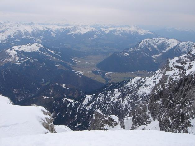 Foto: Manfred Karl / Ski Tour / Skihörndl - Frühjahrsklassiker in den Loferer Steinbergen / Im Hintergrund Kitzbüheler Alpen / 18.12.2008 10:11:21