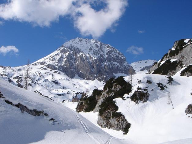 Foto: Manfred Karl / Ski Tour / Über die Laufener Hütte auf den Bleikogel / Am Weg zur Laufener Hütte; im Hintergrund: Fritzerkogel / 18.12.2008 12:21:11
