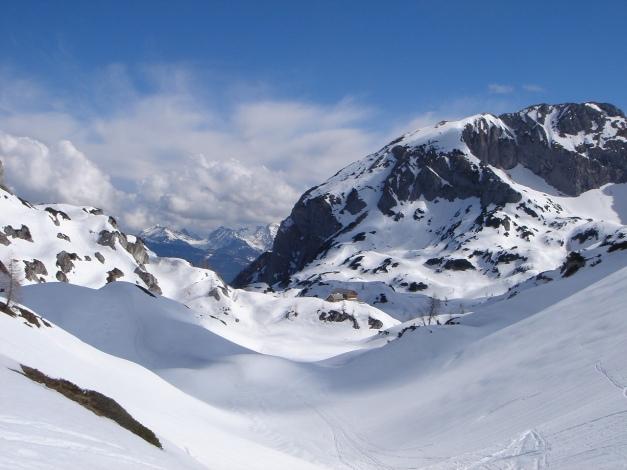 Foto: Manfred Karl / Ski Tour / Über die Laufener Hütte auf den Bleikogel / Tennkessel mit Laufener Hütte / 18.12.2008 12:20:30