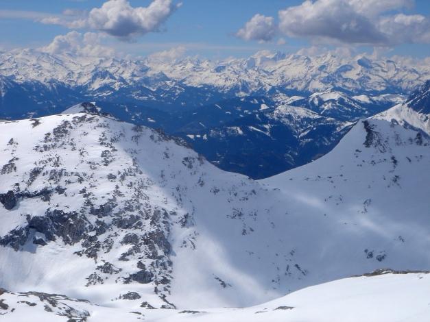 Foto: Manfred Karl / Ski Tour / Über die Laufener Hütte auf den Bleikogel / Blick in die Hohen Tauern / 18.12.2008 12:17:16