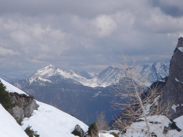 Foto: Manfred Karl / Ski Tour / Über die Laufener Hütte auf den Bleikogel / Braunedlkogel - Scharfen - Gamsfeld / 18.12.2008 12:12:22