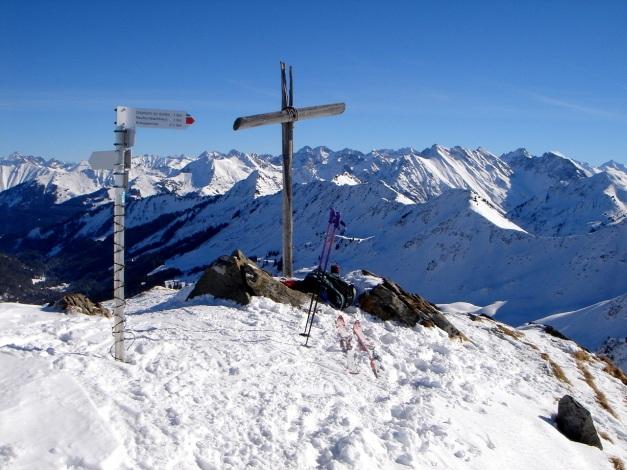 Foto: Manfred Karl / Ski Tour / Drei leichte Schigipfel über der Schwarzwasserhütte / Steinmandl / 18.12.2008 17:02:49