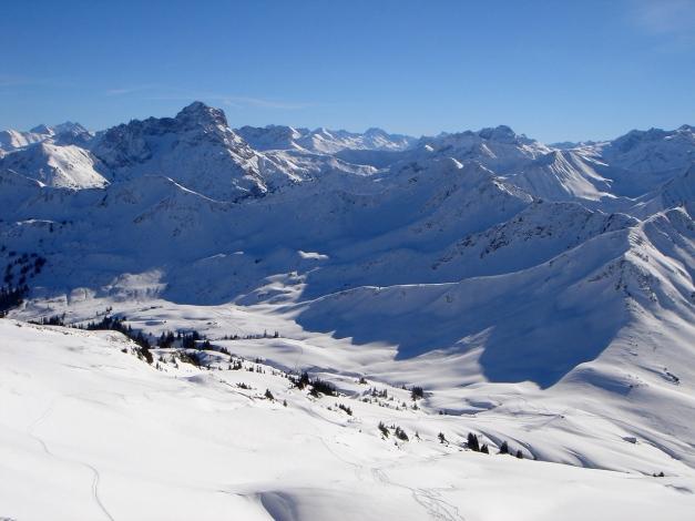 Foto: Manfred Karl / Ski Tour / Drei leichte Schigipfel über der Schwarzwasserhütte / Der Hählekopf ist auch ein schöner Aussichtsberg / 18.12.2008 17:00:15