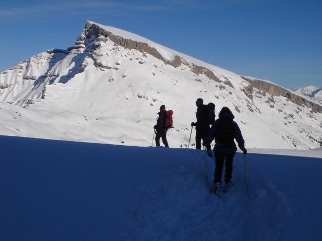Foto: Manfred Karl / Ski Tour / Drei leichte Schigipfel über der Schwarzwasserhütte / Blick zum Ifen vom Hählekopf / 18.12.2008 16:59:10