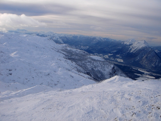 Foto: Manfred Karl / Skitour / Auf einen Hausberg der Salzburger Tourengeher / Der nördliche Randbereich der Hochfläche / 18.12.2008 17:48:12