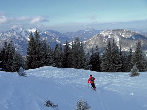 Foto: Kurt Schall / Ski Tour / Loibersbacher Höhe 1456 m, Faistenauer Schafberg 1559 m, von Norden / Loibersbach, Hintergrund Schafberg / 19.12.2008 08:58:50