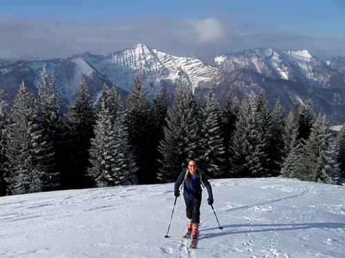 Foto: Kurt Schall / Ski Tour / Loibersbacher Höhe 1456 m, Faistenauer Schafberg 1559 m, von Norden / Loibersbach, Hintergrund Schafberg / 19.12.2008 08:58:34