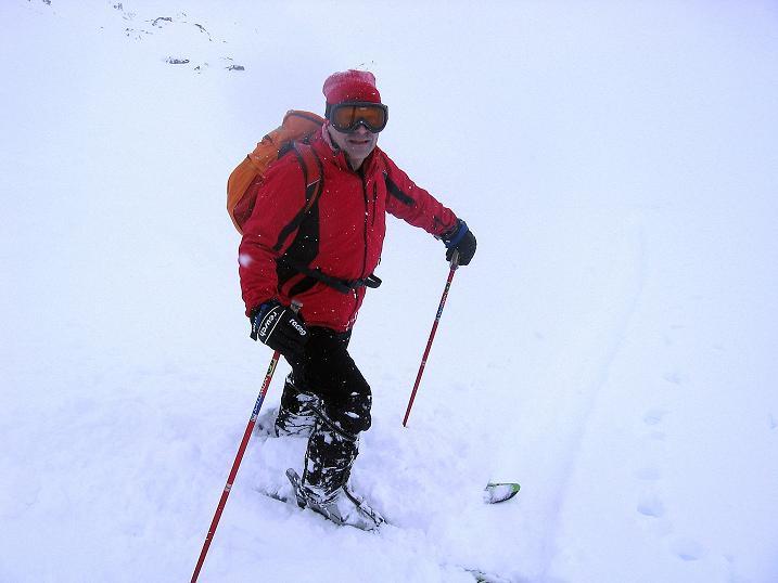 Foto: Andreas Koller / Ski Tour / Aus dem Val Müstair auf den Piz Dora (2951m) / Trotz schlechter Sicht kann man die Hänge genießen / 23.12.2008 16:10:56