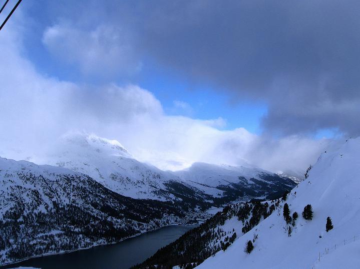 Foto: Andreas Koller / Ski Tour / Hoch über Sils auf die Furtschellas West (2840m) / Blick auf den Silvaplana See / 24.12.2008 00:52:57