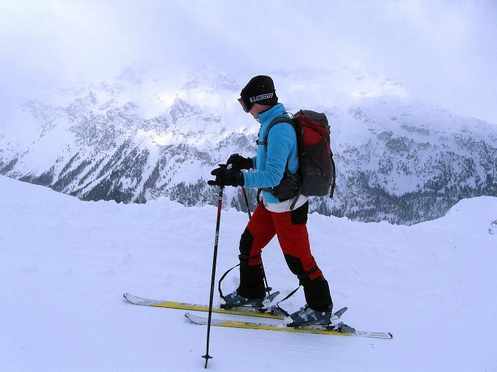 Foto: Andreas Koller / Ski Tour / Hoch über Sils auf die Furtschellas West (2840m) / Bergriesen auch im W / 24.12.2008 00:52:19