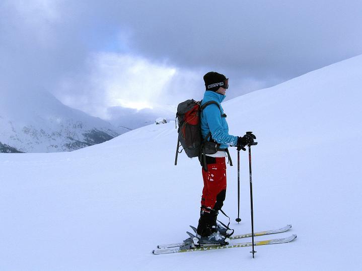 Foto: Andreas Koller / Ski Tour / Hoch über Sils auf die Furtschellas West (2840m) / Freier Blick nach N / 24.12.2008 00:51:44