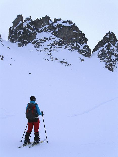 Foto: Andreas Koller / Ski Tour / Hoch über Sils auf die Furtschellas West (2840m) / Anstieg an den Furtschella-Nadeln vorbei / 24.12.2008 00:49:06