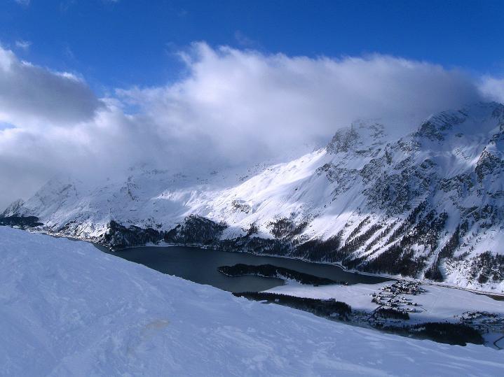 Foto: Andreas Koller / Ski Tour / Hoch über Sils auf die Furtschellas West (2840m) / Silsersee und Gebiet um den Malojapass / 24.12.2008 00:40:44