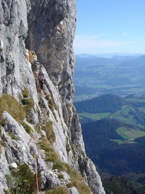 Foto: Manfred Karl / Kletter Tour / Südwand III+ / Querung zum Barthkamin / 17.07.2009 17:48:34