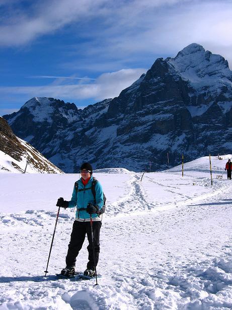 Foto: Andreas Koller / Schneeschuh Tour / Schneeschuh-Trail aufs Faulhorn (2681m) / Kurz nach dem First mit Blick auf das Wetterhorn (3701 m) / 06.01.2009 23:51:48