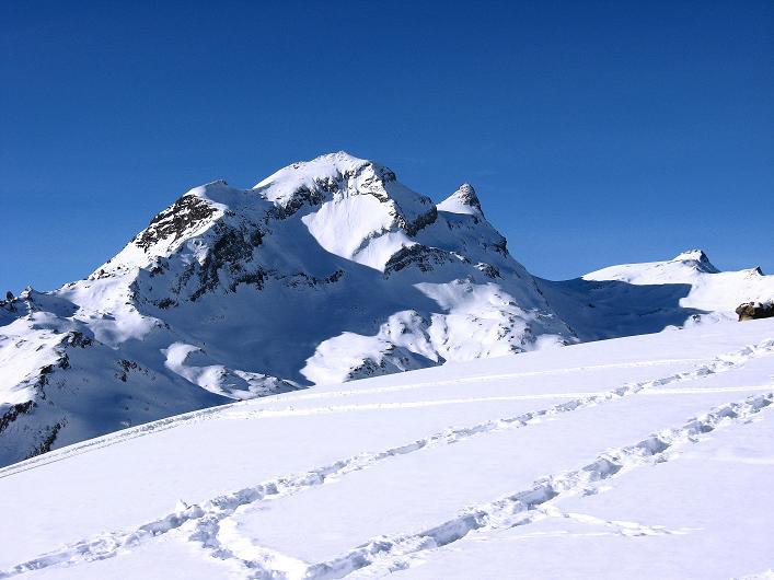 Foto: Andreas Koller / Schneeschuh Tour / Schneeschuh-Trail aufs Faulhorn (2681m) / Reeti (2757 m), Simelihorn (2751 m) und Faulhorn / 06.01.2009 23:50:31