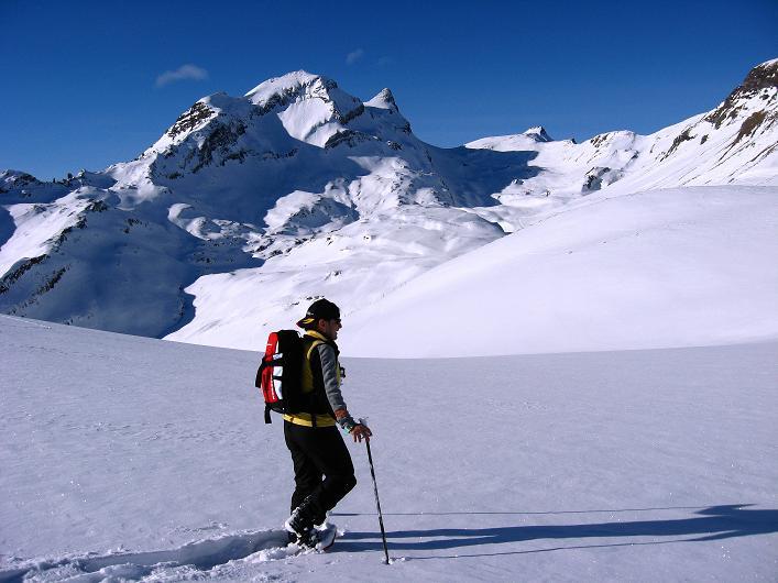 Foto: Andreas Koller / Schneeschuh Tour / Schneeschuh-Trail aufs Faulhorn (2681m) / Gut erkennbar ist die Route auf das Faulhorn (Mitte) / 06.01.2009 23:48:20