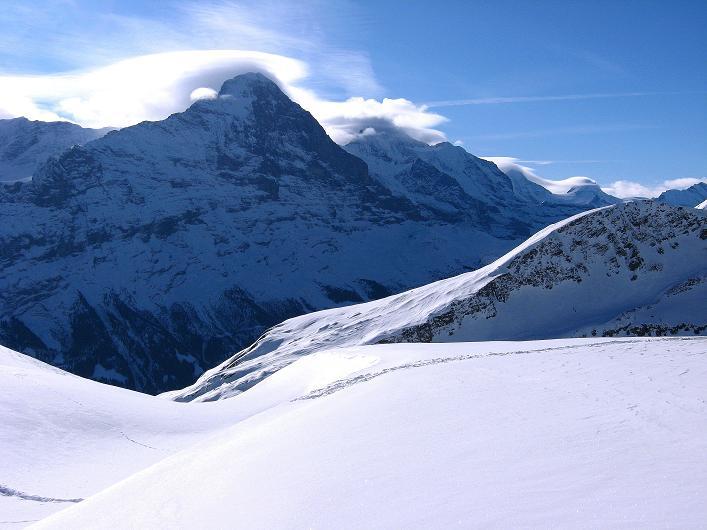 Foto: Andreas Koller / Schneeschuh Tour / Schneeschuh-Trail aufs Faulhorn (2681m) / Eiger (3970 m) mit seiner berühmten N-Wand / 06.01.2009 23:47:03
