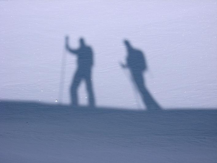 Foto: Andreas Koller / Schneeschuh Tour / Schneeschuh-Trail aufs Faulhorn (2681m) / Ständige Begleiter / 06.01.2009 23:41:05
