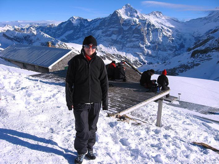 Foto: Andreas Koller / Schneeschuh Tour / Schneeschuh-Trail aufs Faulhorn (2681m) / Am Faulhorn gegen Wetterhorn (3701 m) und Urner Alpen / 06.01.2009 23:26:57
