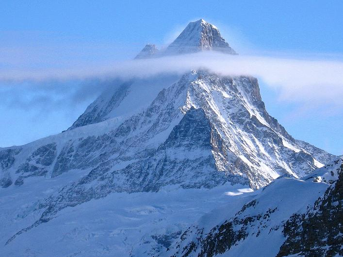 Foto: Andreas Koller / Schneeschuh Tour / Schneeschuh-Trail aufs Faulhorn (2681m) / Schaurig-schön: das Schreckhorn (4078 m) / 06.01.2009 23:25:55