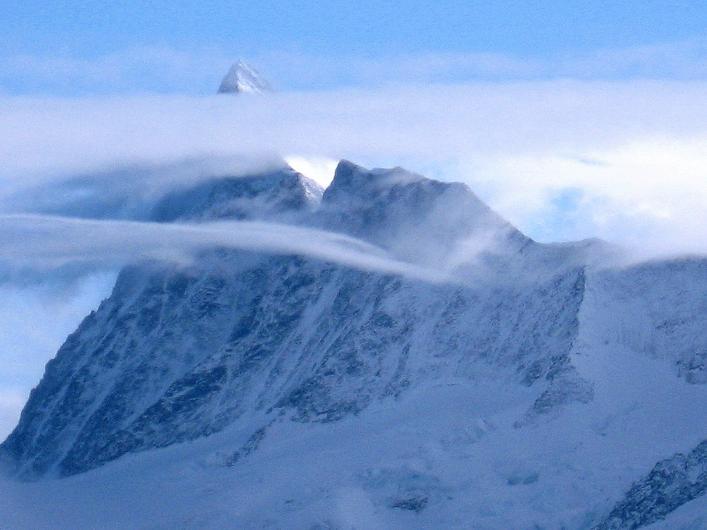 Foto: Andreas Koller / Schneeschuh Tour / Schneeschuh-Trail aufs Faulhorn (2681m) / Das mächtige Finsteraarhorn (4273 m) / 06.01.2009 23:22:57