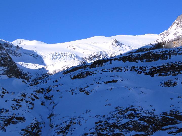 Foto: Andreas Koller / Ski Tour / Vom Gemmipass auf das Daubenhorn (2942 m) / Großartiger Blick auf den Wildstrubel-Gletscher / 08.01.2009 01:29:42