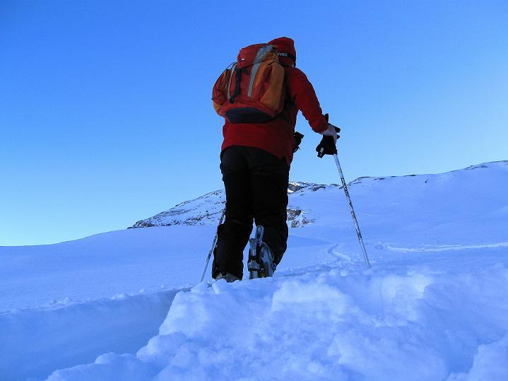 Foto: Andreas Koller / Ski Tour / Vom Gemmipass auf das Daubenhorn (2942 m) / Dem Daubenhorn entgegen / 08.01.2009 01:27:57
