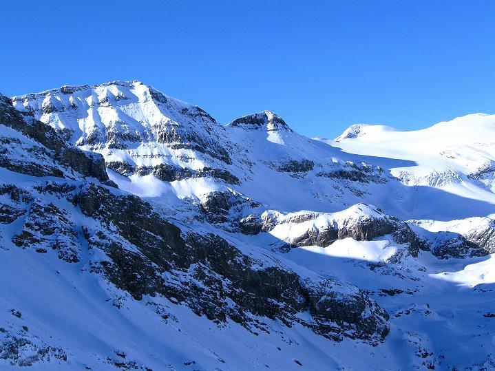 Foto: Andreas Koller / Ski Tour / Vom Gemmipass auf das Daubenhorn (2942 m) / Schneehorn (3177 m) und Wildstrubel (3244 m) / 08.01.2009 01:26:01