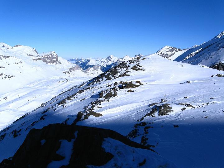 Foto: Andreas Koller / Ski Tour / Vom Gemmipass auf das Daubenhorn (2942 m) / Blick nach N / 08.01.2009 01:25:00