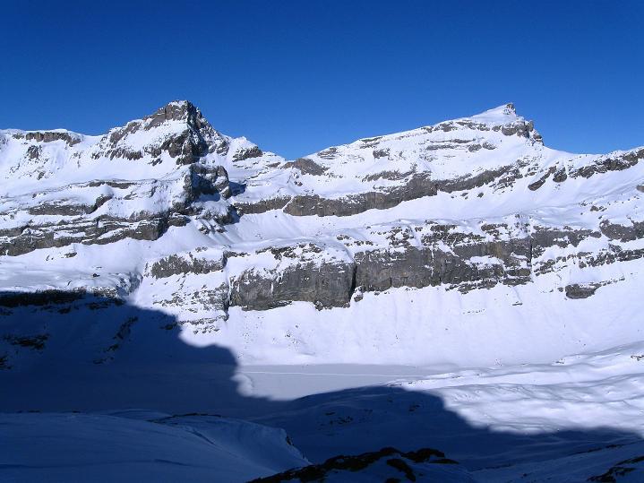 Foto: Andreas Koller / Ski Tour / Vom Gemmipass auf das Daubenhorn (2942 m) / Lämmerenhorn (2862 m) und Steghorn (3146 m) / 08.01.2009 01:24:45